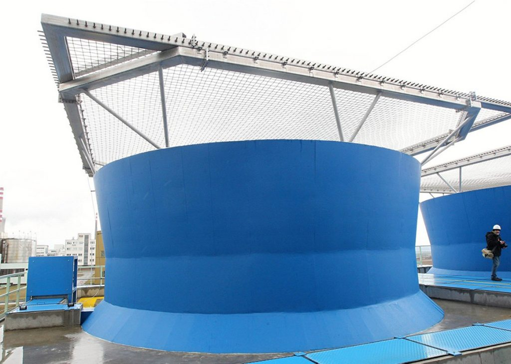 Cooling Tower with Wire Mesh